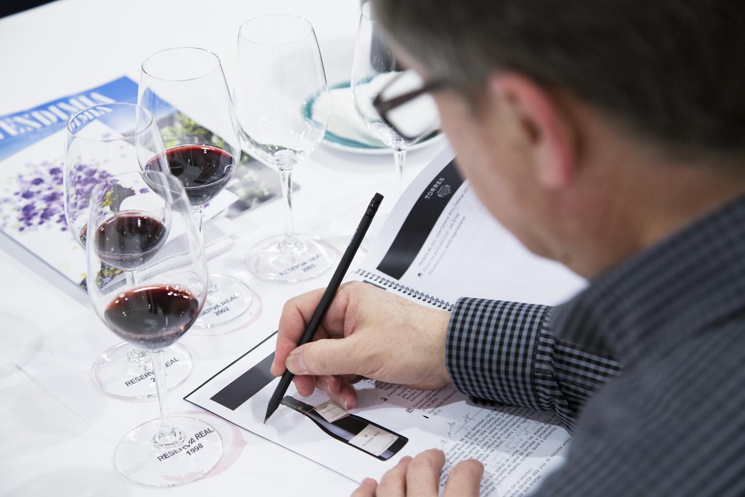 Cata del vino Reserva Real de Bodegas Torres